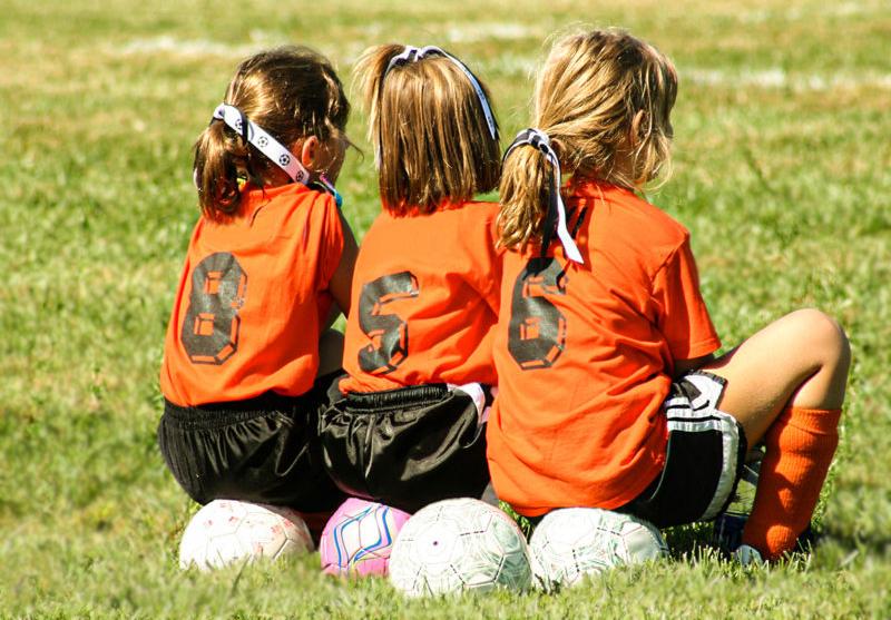 Soccer Girls-back_blur